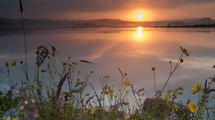 Sunrise over Benston Loch